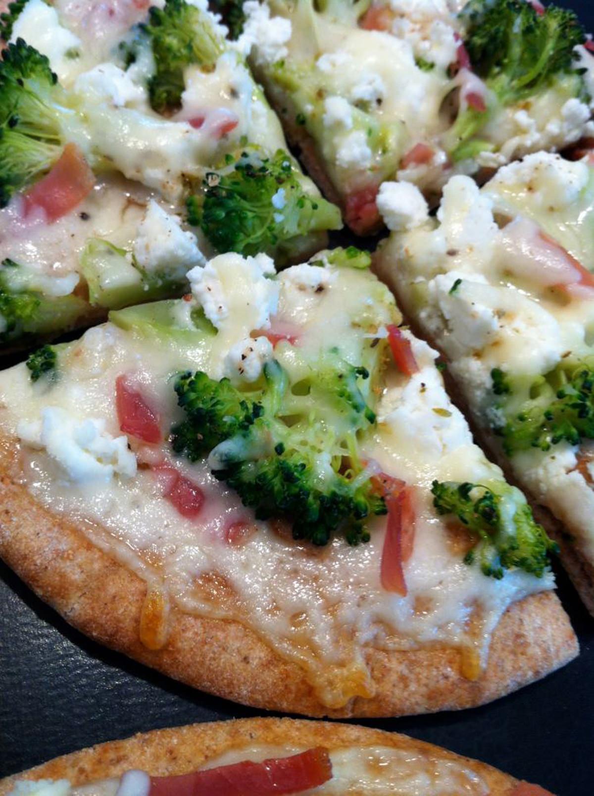 Broccoli-and-Prosciutto-3-Cheese-Personal-Pizza