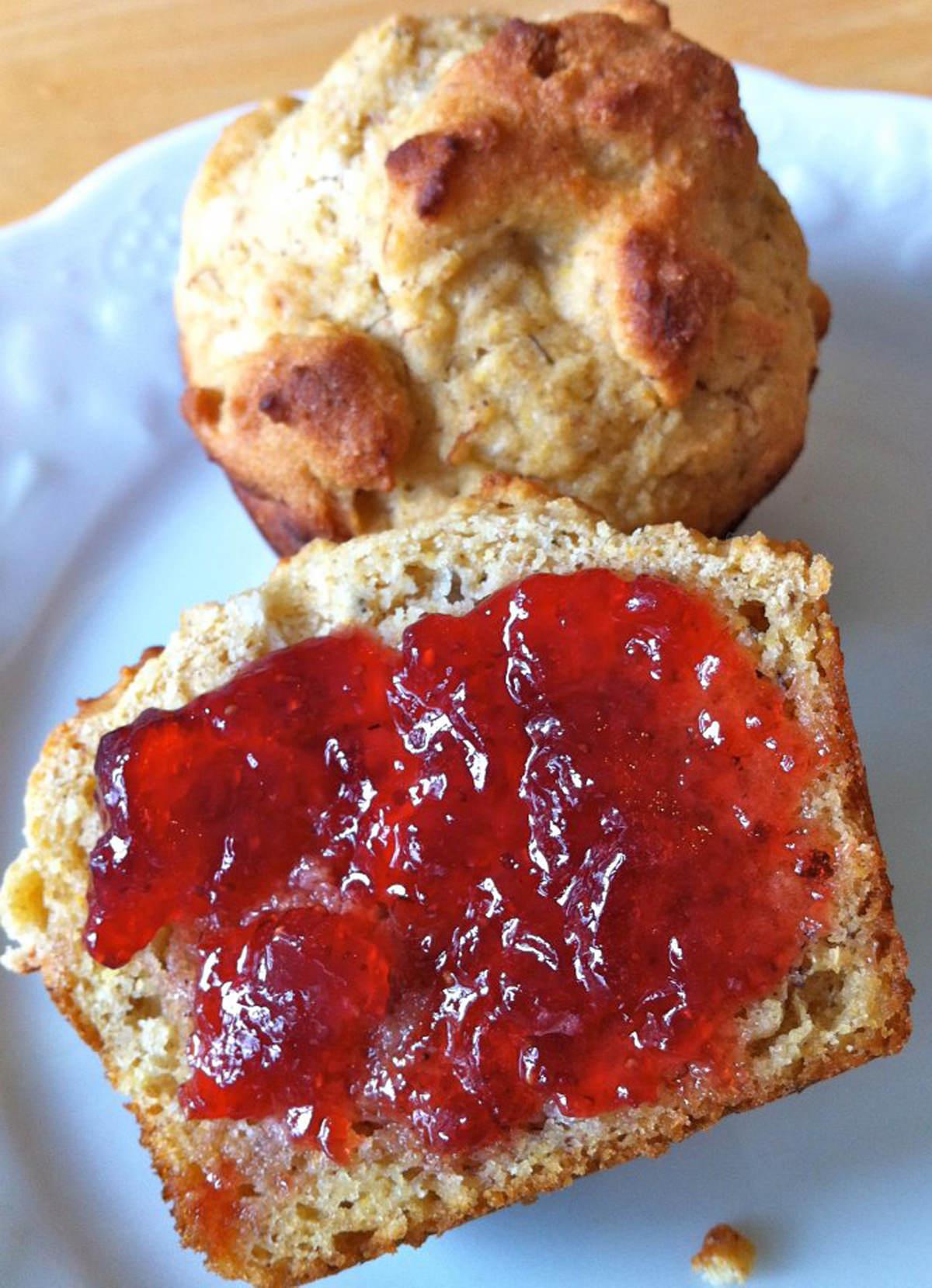 Healthy-Corn-Bread-Muffins