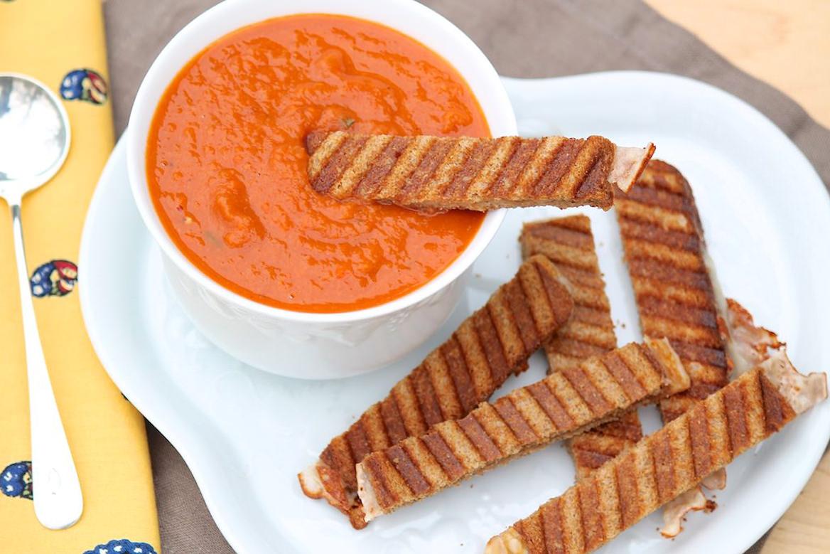 02.10.2016-cannellini-tomato-soup-featured