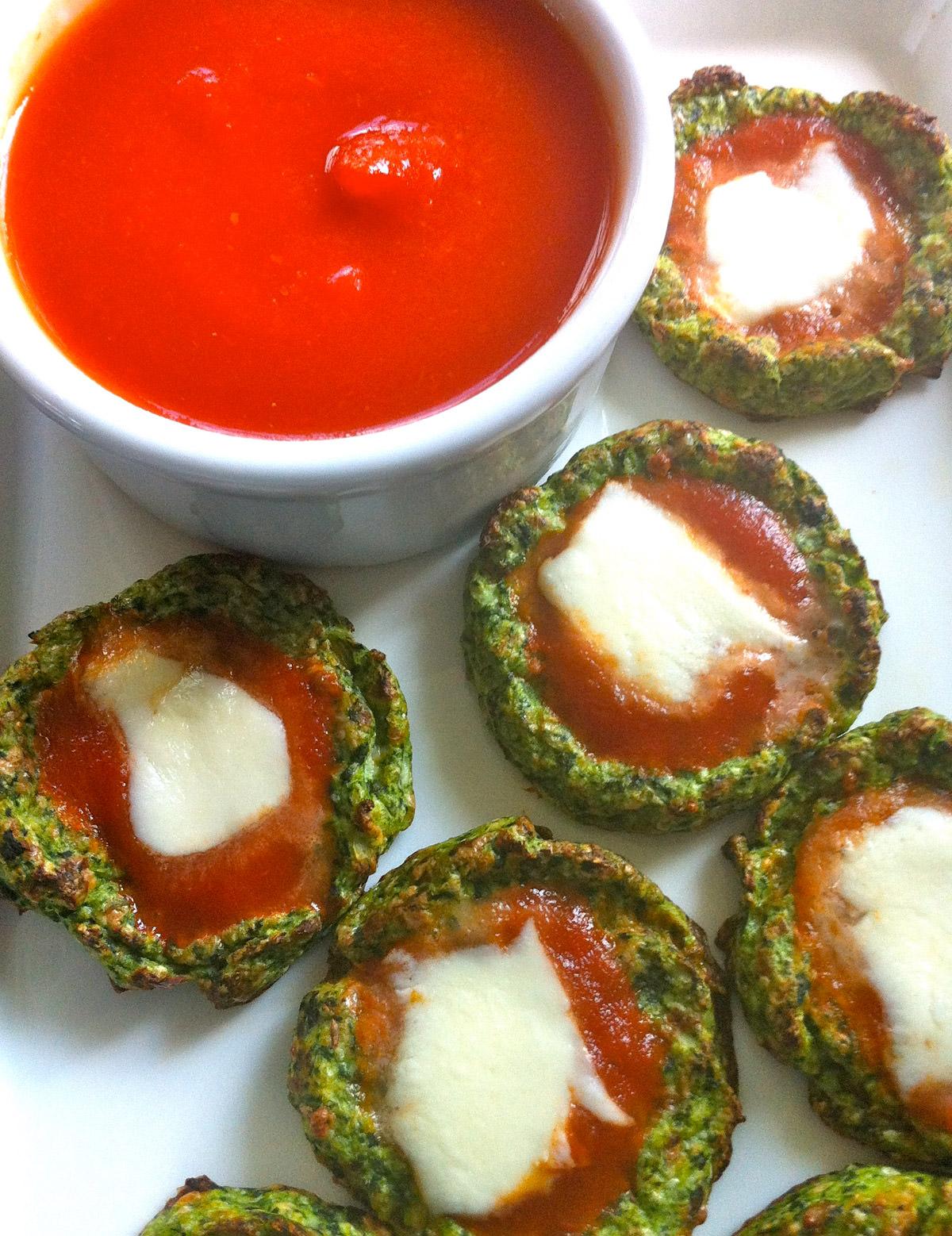 Cauliflower-Spinach-Mini-Pizzas
