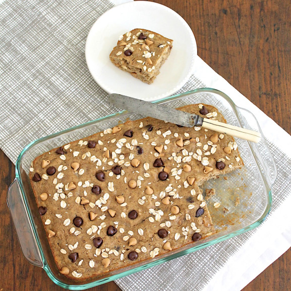 Banana Bread Breakfast Bars (gluten-free with vegan option)