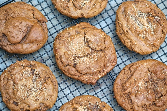 I baked a batch of these cookies with a gluten-free flour blend to see how that worked with the neat egg, and the result was outstanding. I omitted the sugar topping on half of this batch and sprinkled (instead of rolling) the other half. The cookies still taste delicious without it, but the coarse sugar provides a hint of crunch and gives them a pretty look.