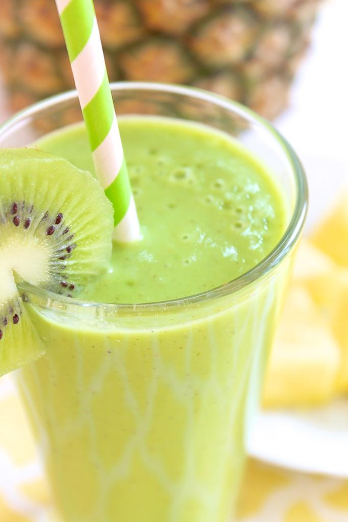 Pineapple Kiwi Vanilla Yogurt Smoothie