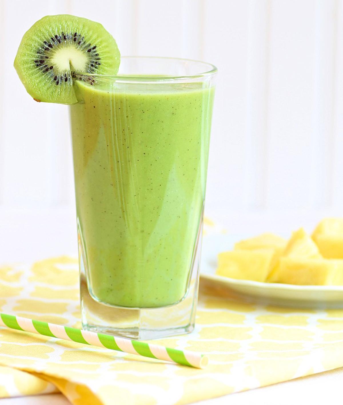 Pineapple-Kiwi-Vanilla-Yogurt-Smoothie