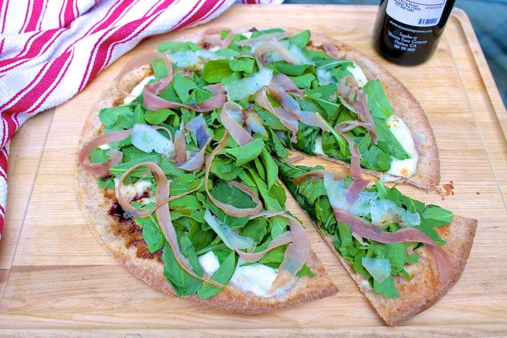 Prosciutto Fig Pizza with Fresh Mozzarella, Arugula & Manchego — The ...