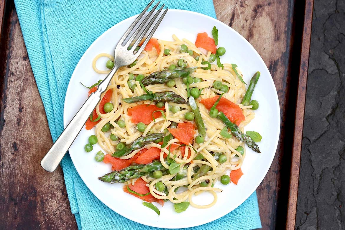 One-Pot Spring Pasta with Smoked Salmon  ⁓   A streamlined cooking process, lots of veggies, and filling protein make this fresh and flavorful pasta dinner a winner!