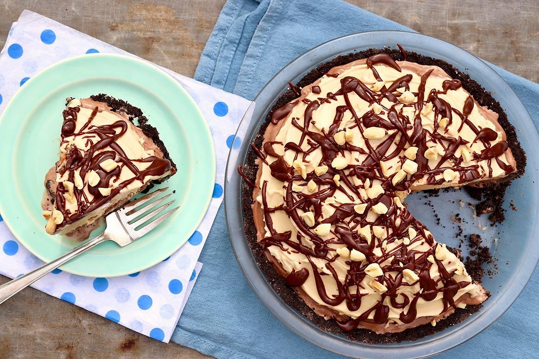 Easy Mud Pie with Oreo Crust