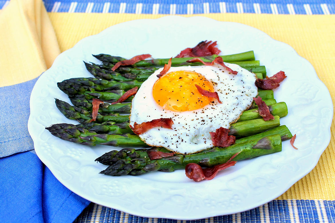 """When pairedwith a protein-rich egg, these slender green spears form the basisof a satisfyingly simplemeal with """"French country"""" appeal!"""
