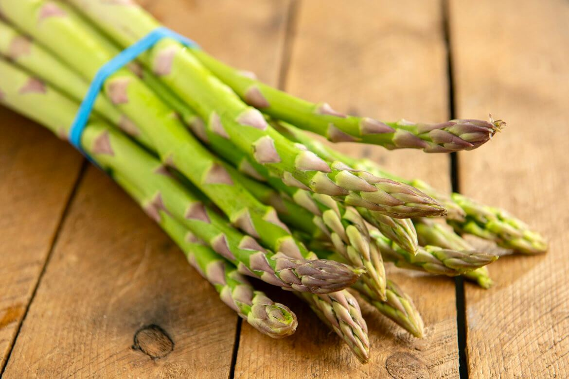 With its crisp snap and vibrant hue, seasonal asparagus has long been considered a seasonal delicacy. But how do you get the best out of your asparagus?