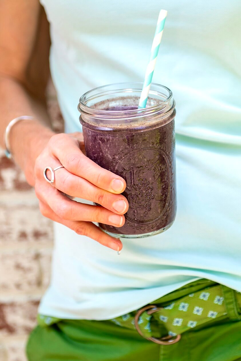 This 5-ingredient copycat of a local cafe's fan favorite smoothie offers natural sweetness, filling fiber, and lots of plant-based protein!
